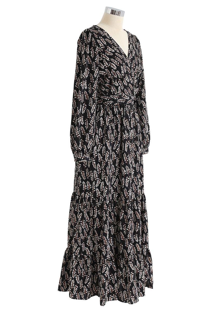 Robe longue portefeuille à imprimé feuilles d'été en noir