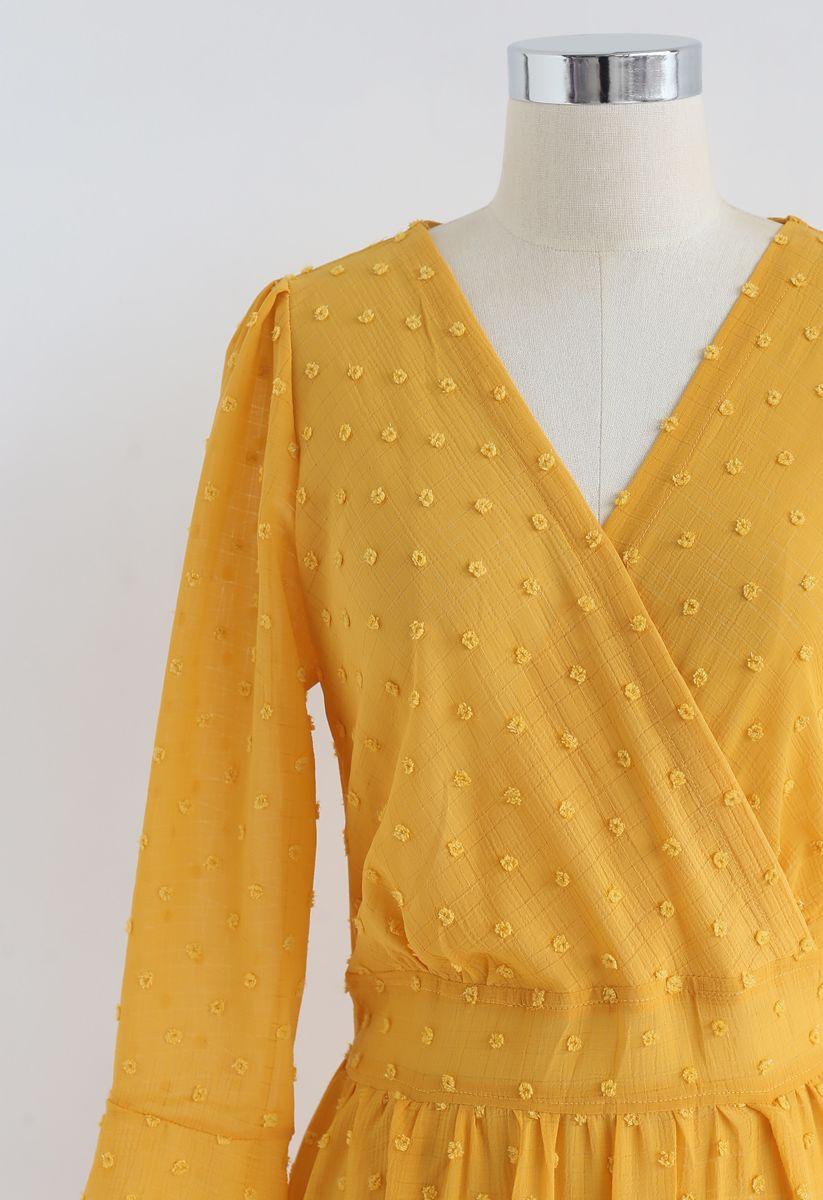 Robe longue à volants et volants drapés en moutarde
