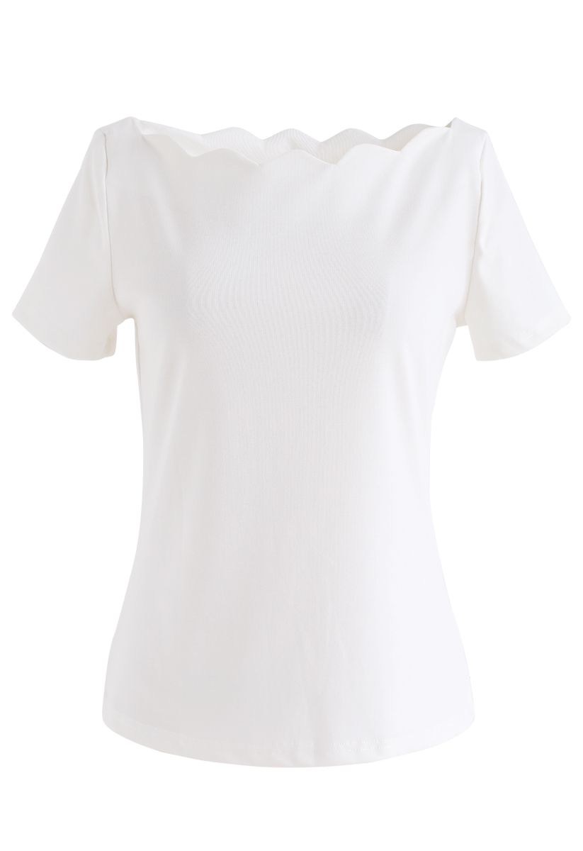 Wavy Boat Neck Short Sleeves Top in White