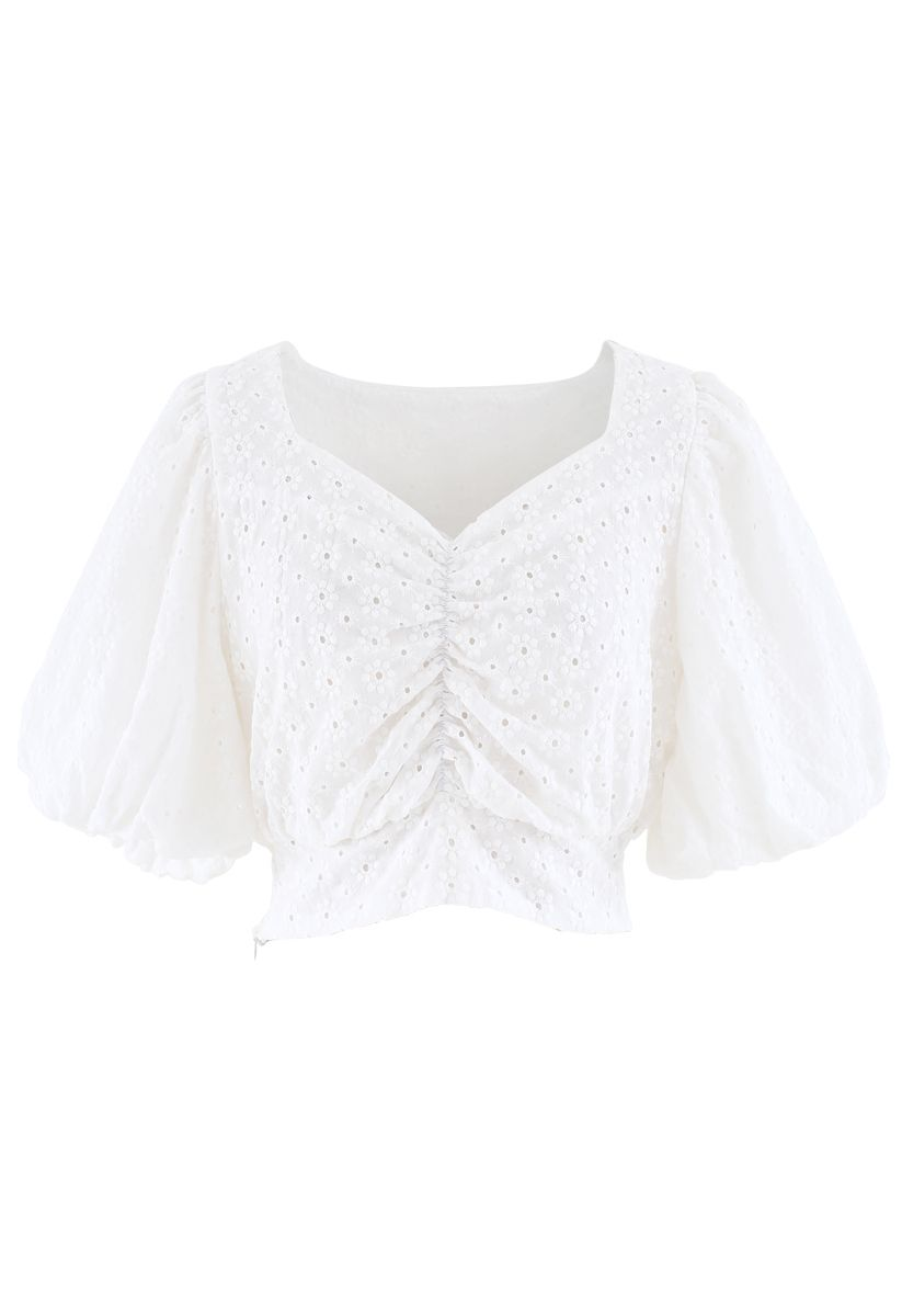 Sweetheart Floral Embroidery Puff-Sleeved Crop Top in White