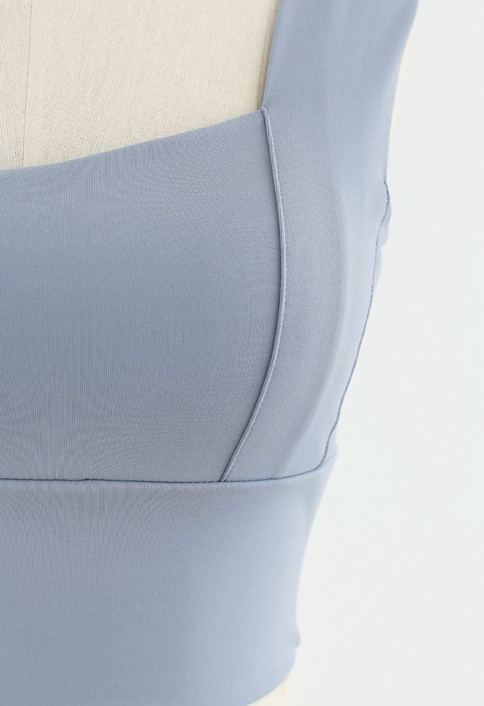 Strappy Seam Detail Medium-Impact Sports Bra in Dusty Blue
