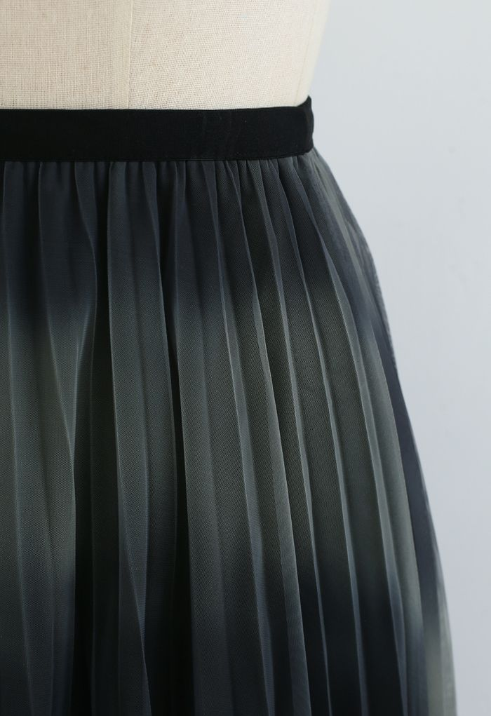 Color-Block Mesh Tulle Pleated Midi Skirt in Olive