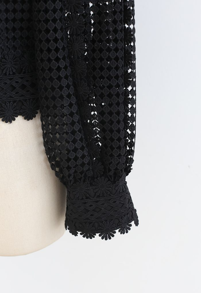 Solid Tone Full Crochet Long Sleeves Top in Black
