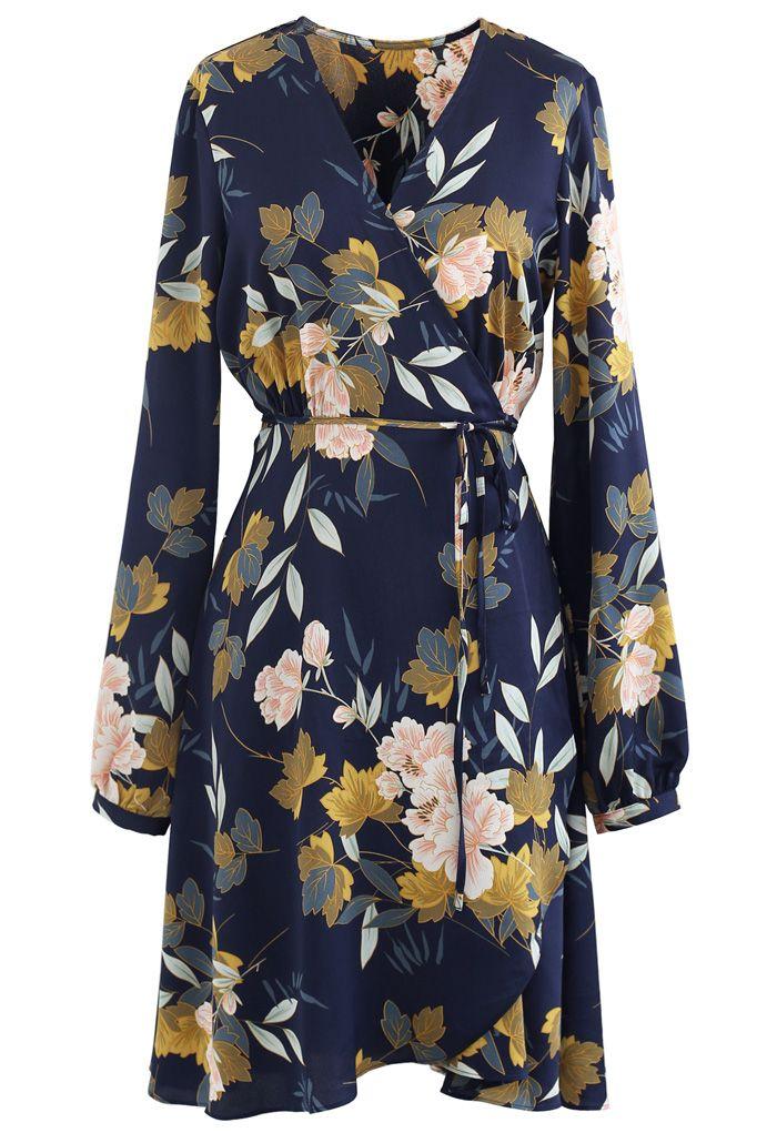 Robe portefeuille bleu marine à imprimé fleuri