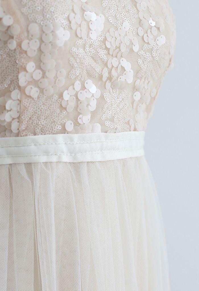 Robe nuisette en maille froncée à paillettes en crème