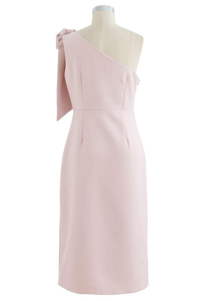 Robe droite fendue oblique à bretelles et nœud en rose