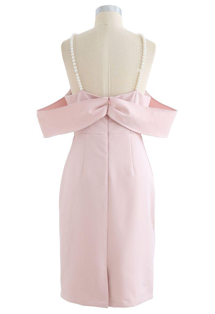 Robe droite à épaules dénudées et bretelles en rose
