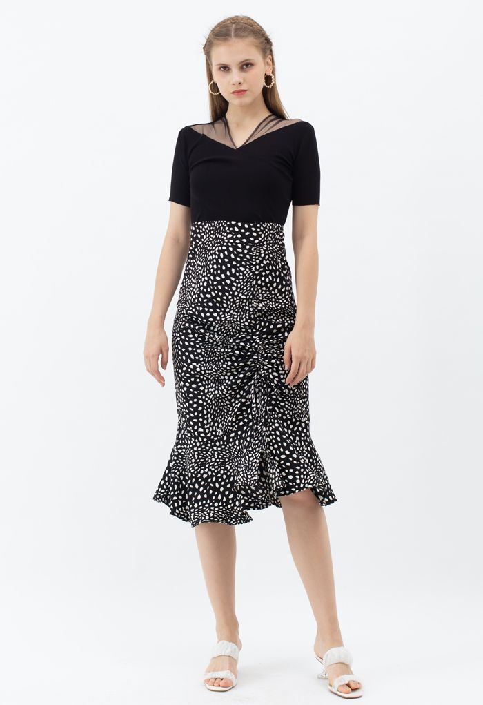 Dotted Drawstring Frilling Skirt in Black