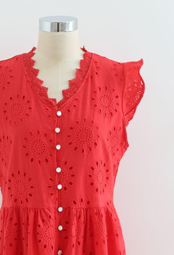 Robe boutonnée sans manches à broderies à œillets sur toute la surface en rouge