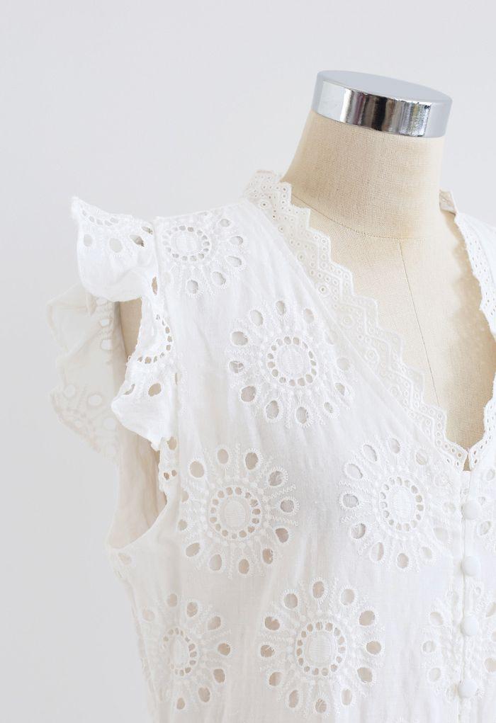 Robe sans manches boutonnée à broderies à œillets sur toute la surface en blanc