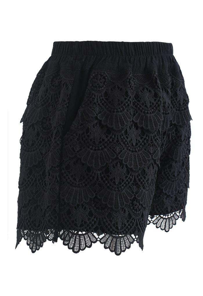 Short à superposition en crochet festonné en noir