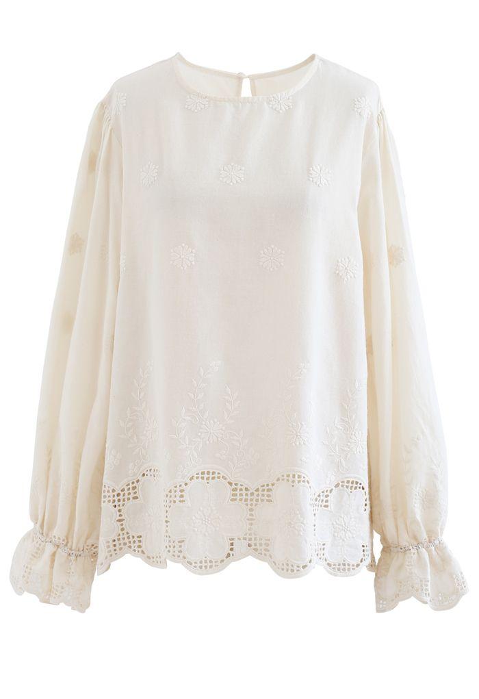 Chemise en coton à fleurs brodées à manches bouffantes