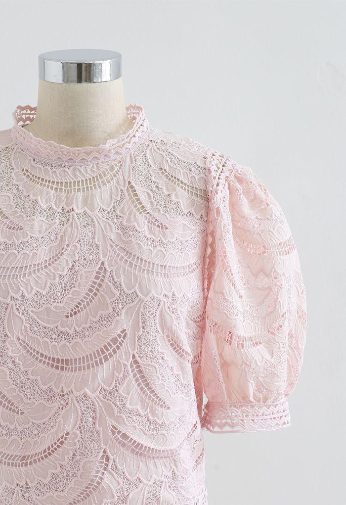 Top en crochet brodé Leaves Shadow en rose