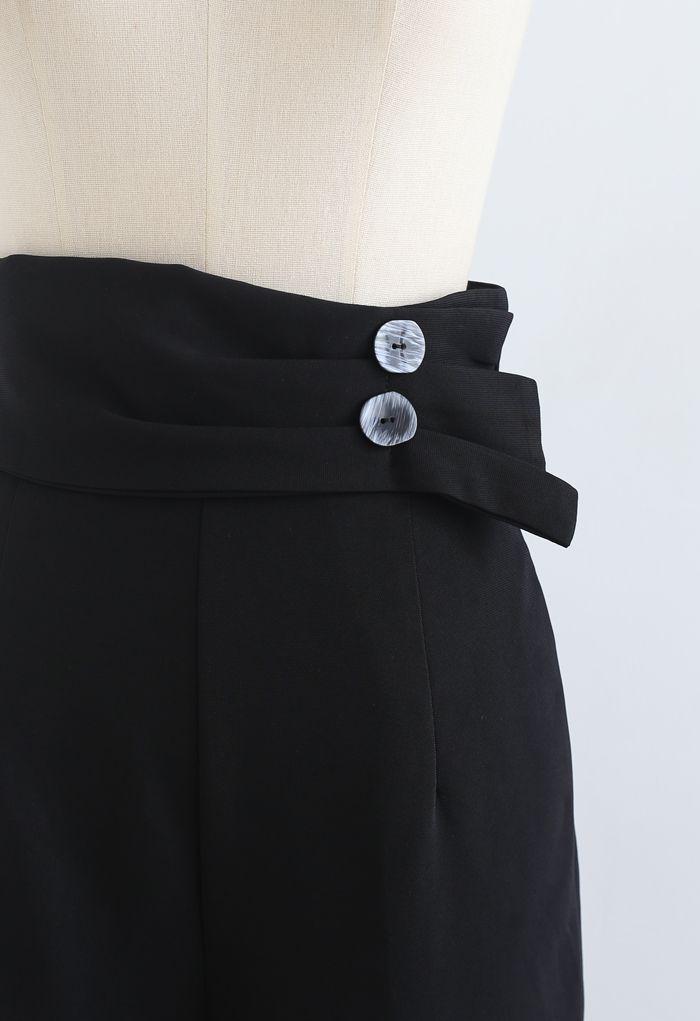 Pantalon à jambe droite avec ceinture boutonnée en noir