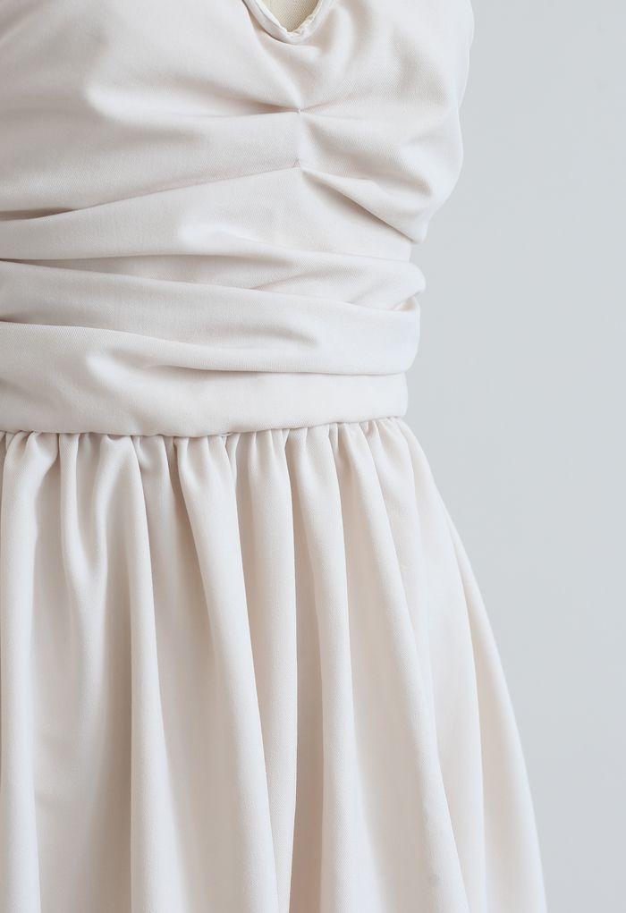 Robe nuisette en cristal à encolure en V et dos ouvert en ivoire