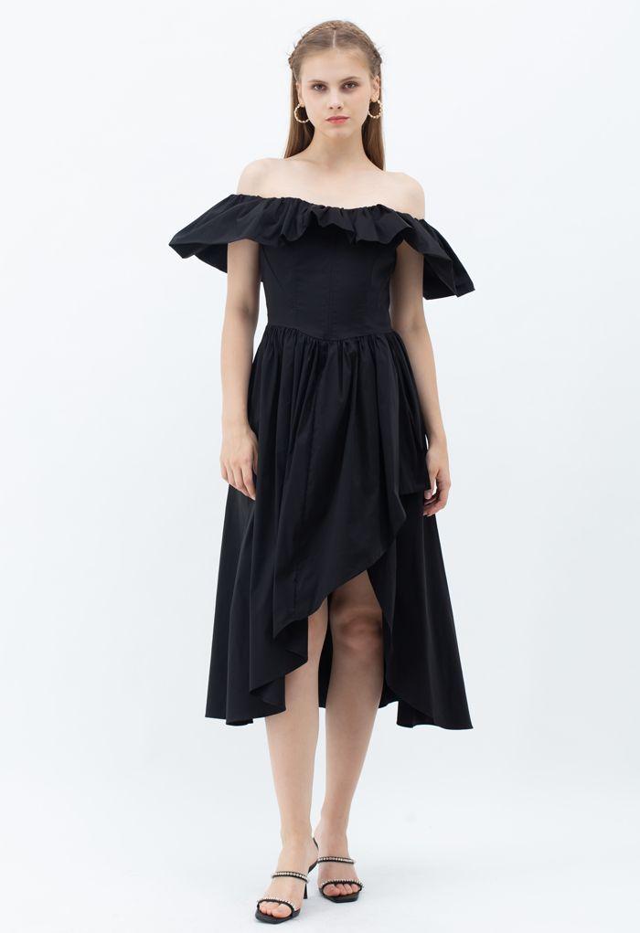 Robe asymétrique à volants et épaules dénudées en noir