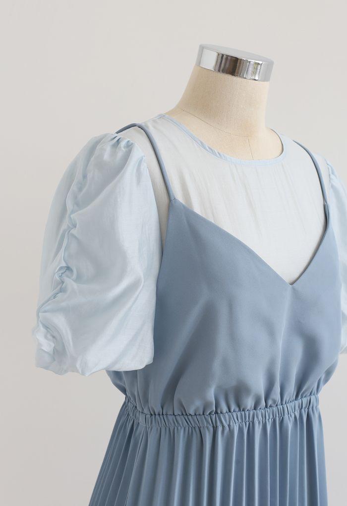 Robe mi-longue plissée à deux pièces en bleu
