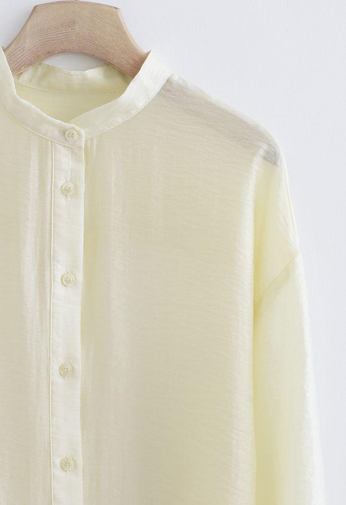 Chemise boutonnée légère sans col en crème