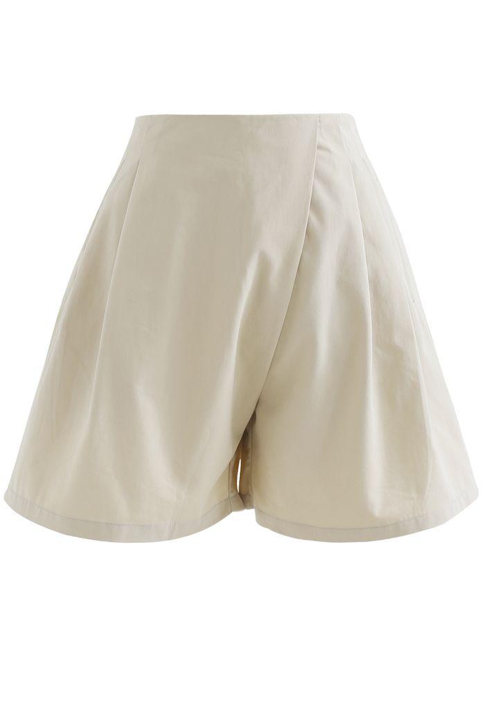 Short plissé taille haute avec poche zippée sur le côté en sable