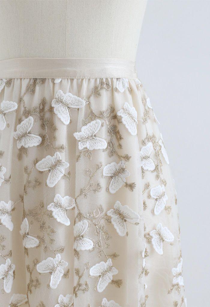 Jupe en tulle double épaisseur brodée papillon 3D en crème