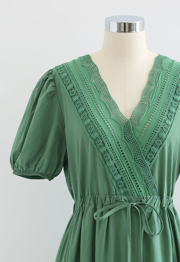 Lace Inserted Bubble Sleeves Wrapped Midi Dress in Green