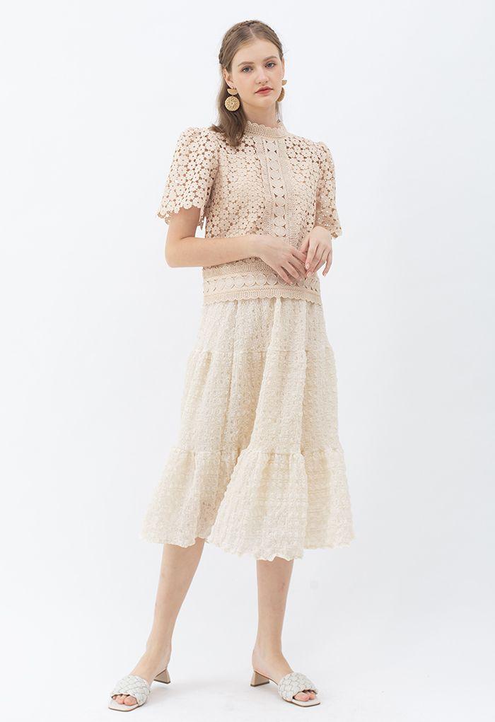 Full of Embossing Frill Hem Midi Skirt in Cream