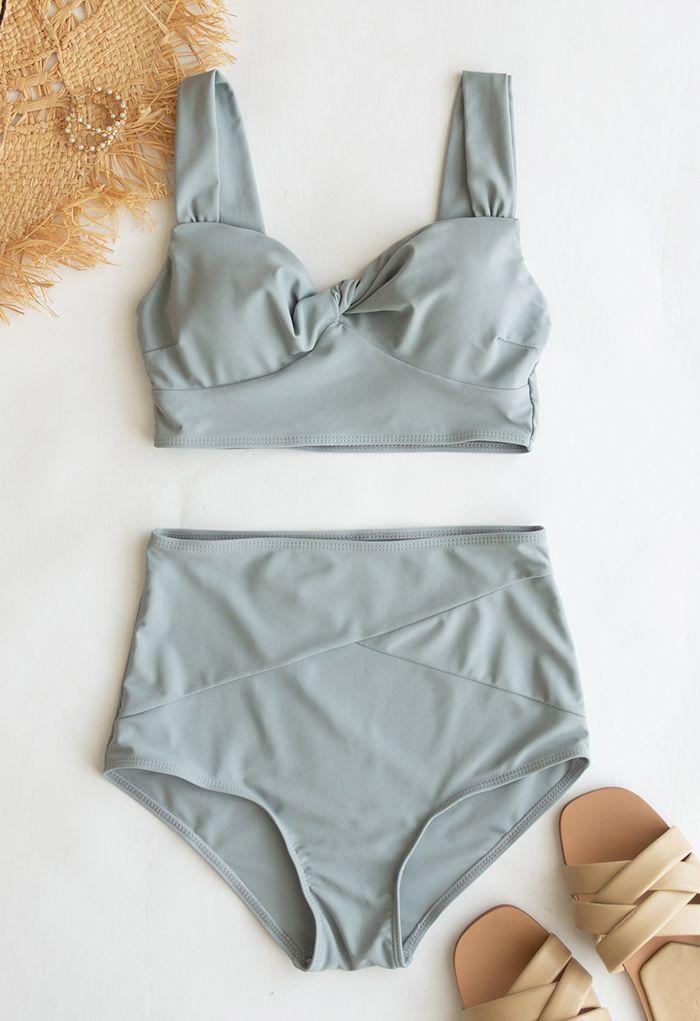 Ensemble de bikini taille haute torsadé sur le devant en gris