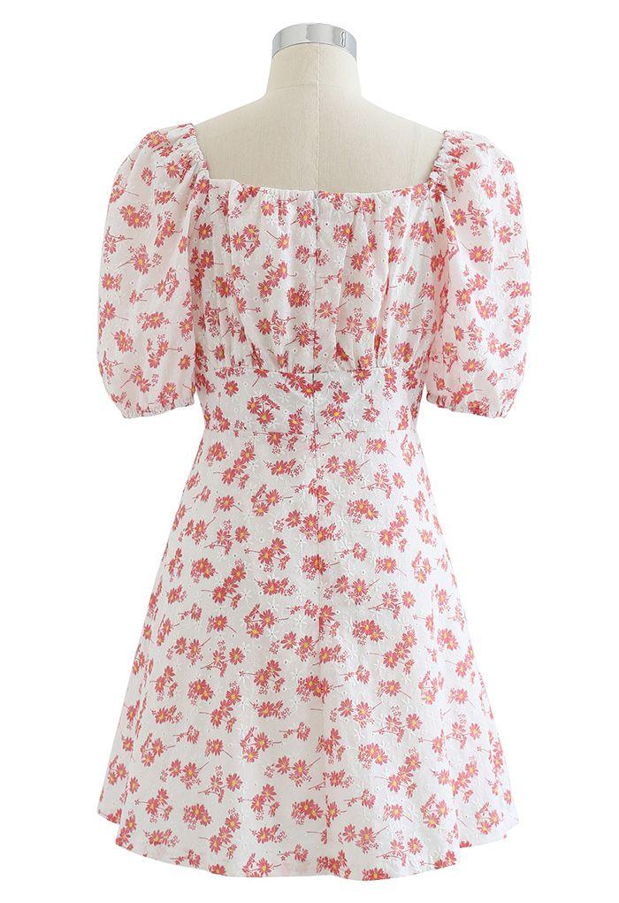 Mini-robe fleurie à col en cœur et œillets en rouge