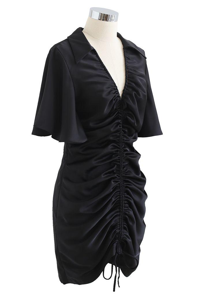 Mini-robe à manches évasées avec cordon de serrage sur le devant en noir