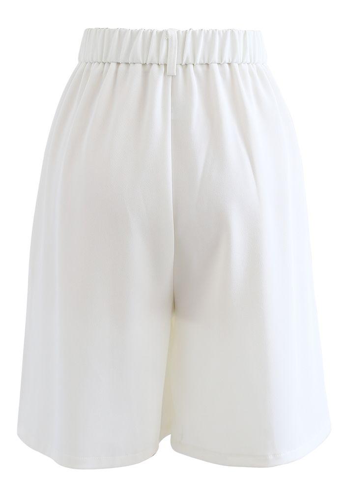 Bermuda plissé taille haute en blanc