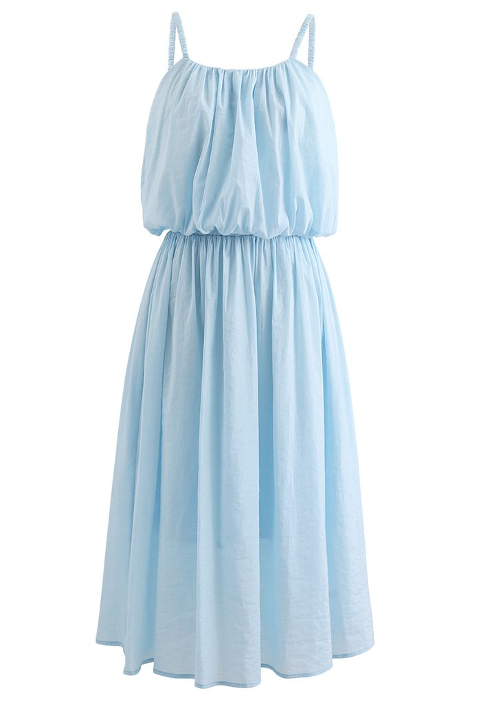 Ensemble camisole courte et jupe mi-longue aux couleurs pastel en bleu