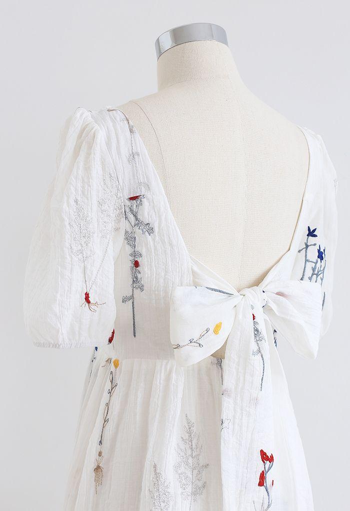 Robe à encolure carrée et brodée Bouquet