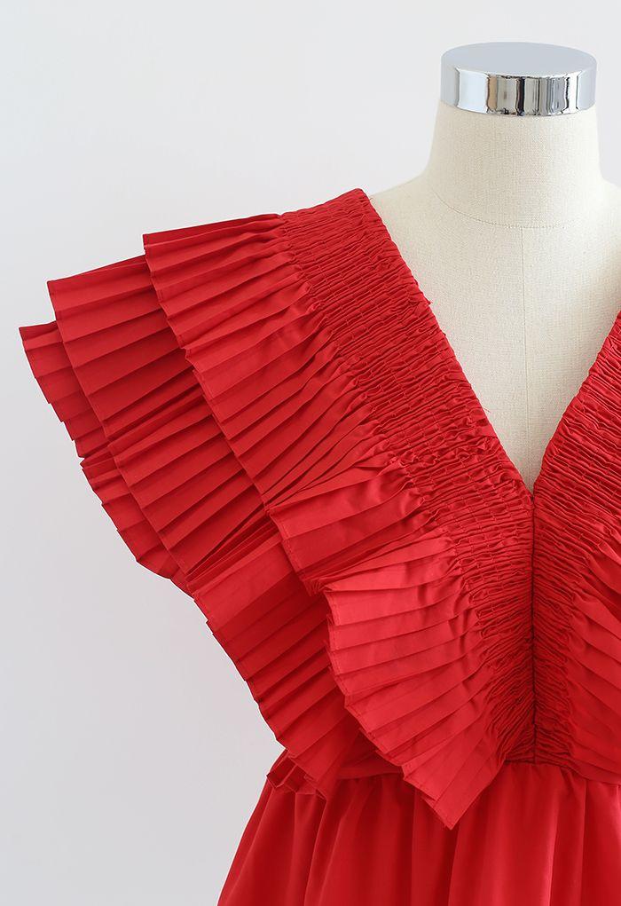 Crop top plissé à col en V profond boutonné à volants en rouge