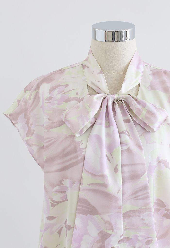 Top boutonné aquarelle fleuri à col noué en lilas