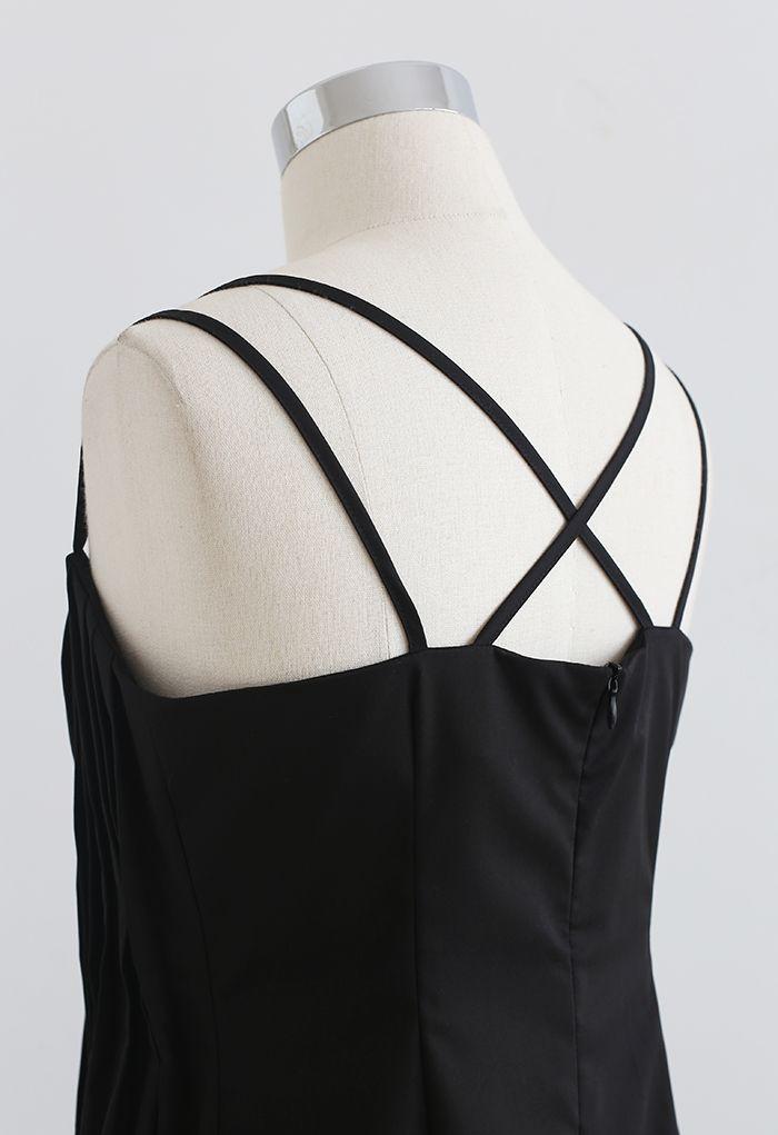 Robe caraco croisée à dos nervuré sur le devant en noir