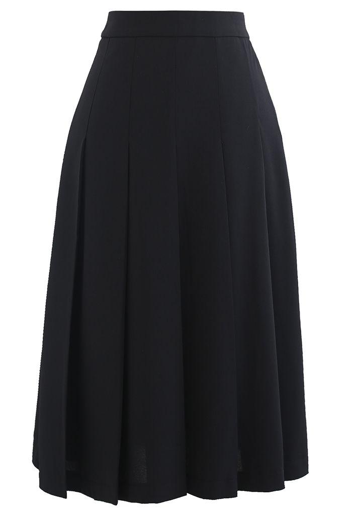 Pleated Flare Hem Midi Skirt in Black