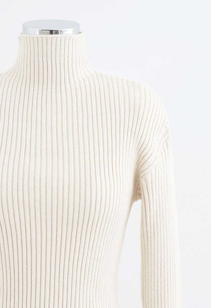 Padded Shoulder Ribbed Knit Sweater in Ivory