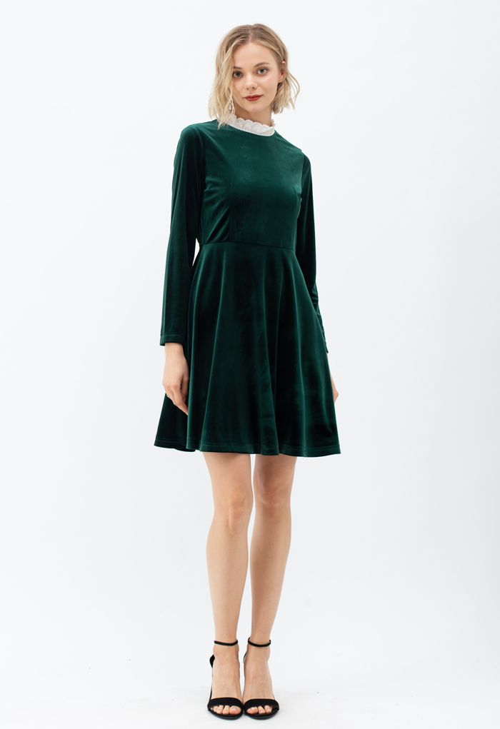 Sweet Neckline Velvet Flare Dress in Emerald