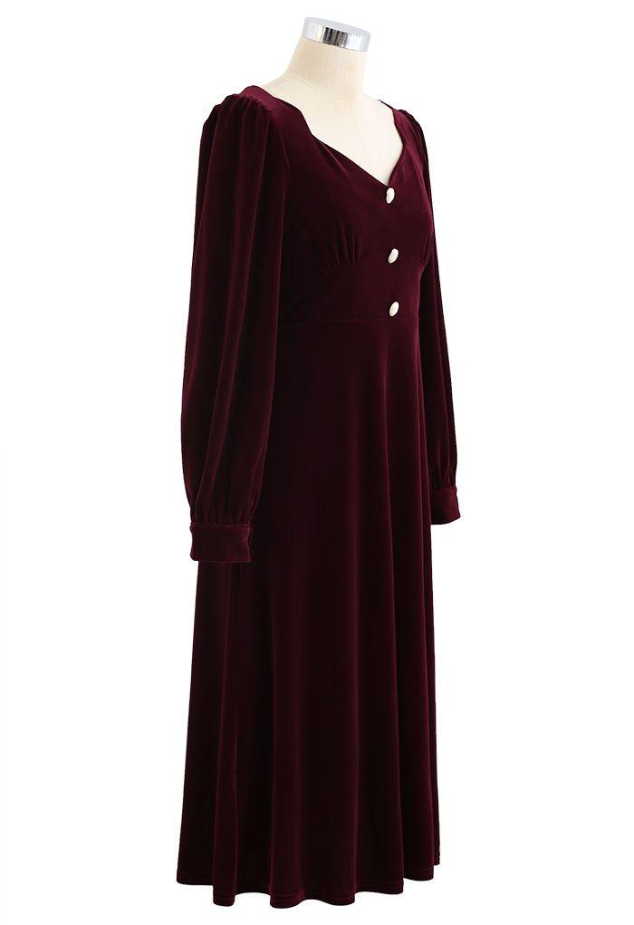 Sweetheart Neck Buttoned Velvet Dress in Wine
