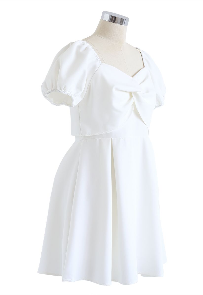 Knot Front Sweetheart Neck Pleated Dress in White