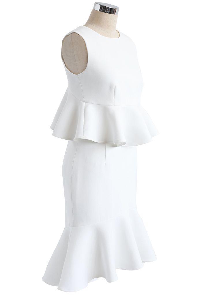 Ensemble haut sans manches court et jupe avec ourlet volantés en blanc