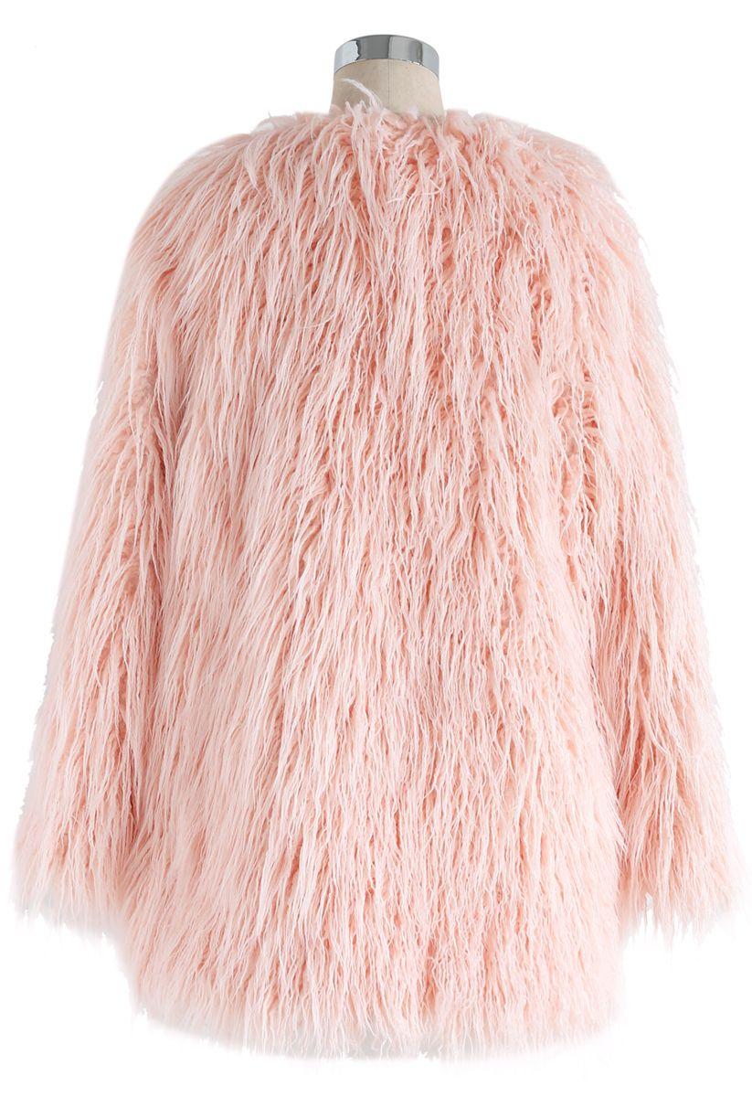 Mon manteau chic en fausse fourrure rose