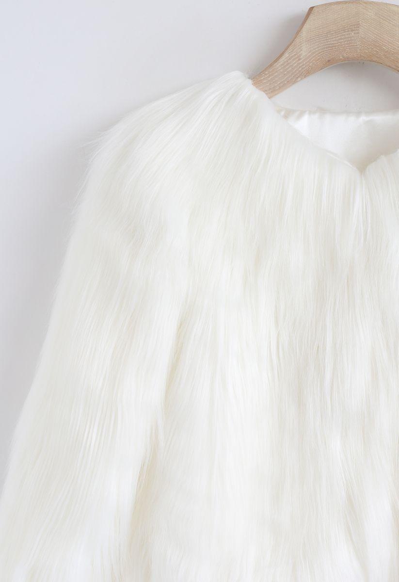 Mon manteau en fausse fourrure blanc pour enfants