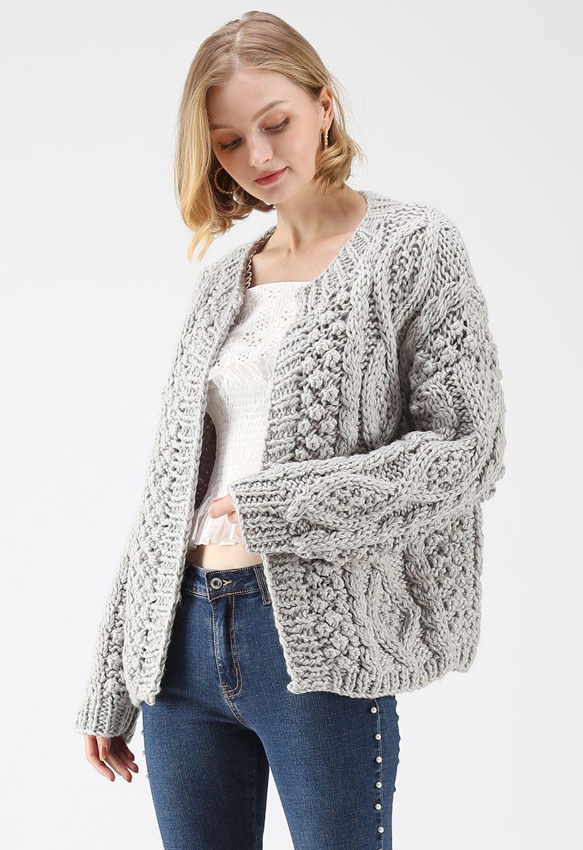 Cardigan en tricot torsadé matin gris en gris