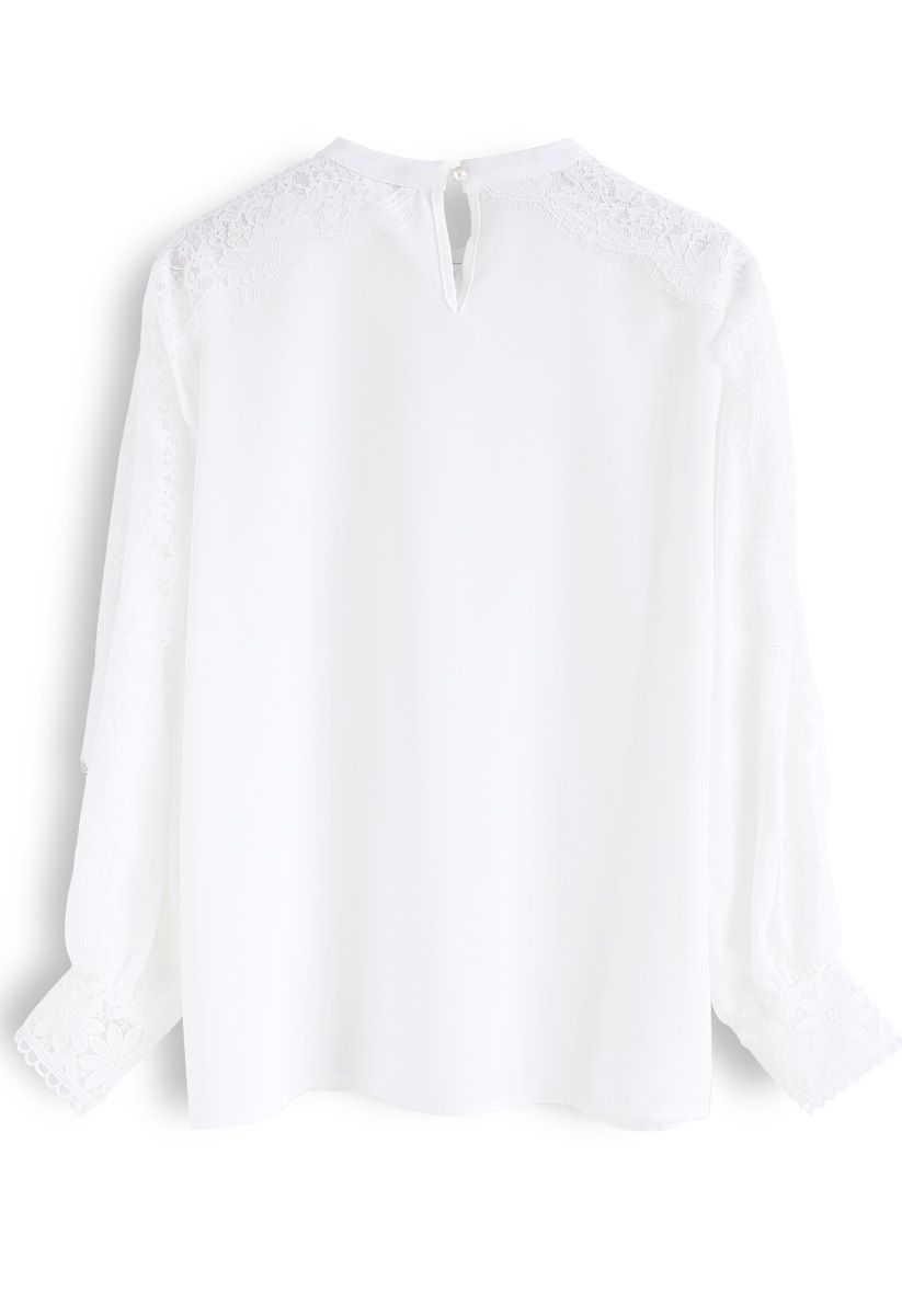 Haut en mousseline de soie dentelle Bowknot tout le chemin en blanc