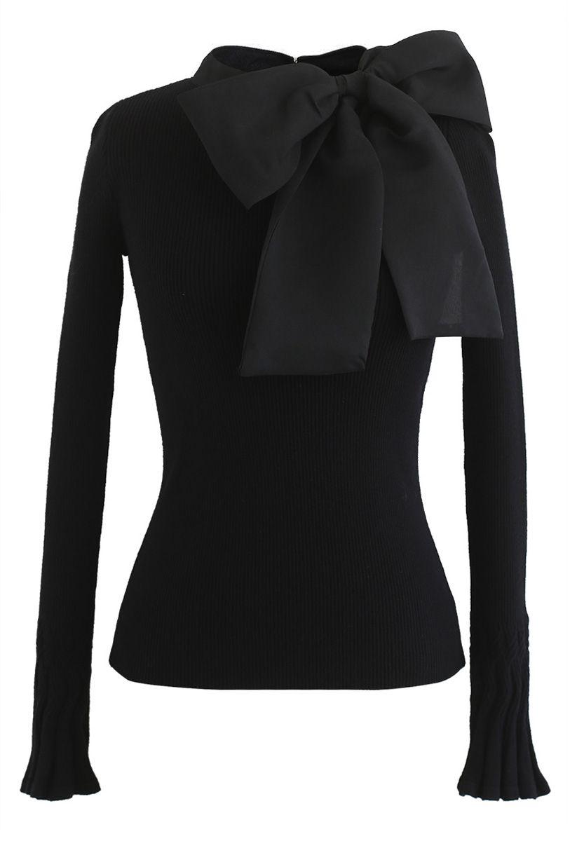 Top en tricot avec nœud noir