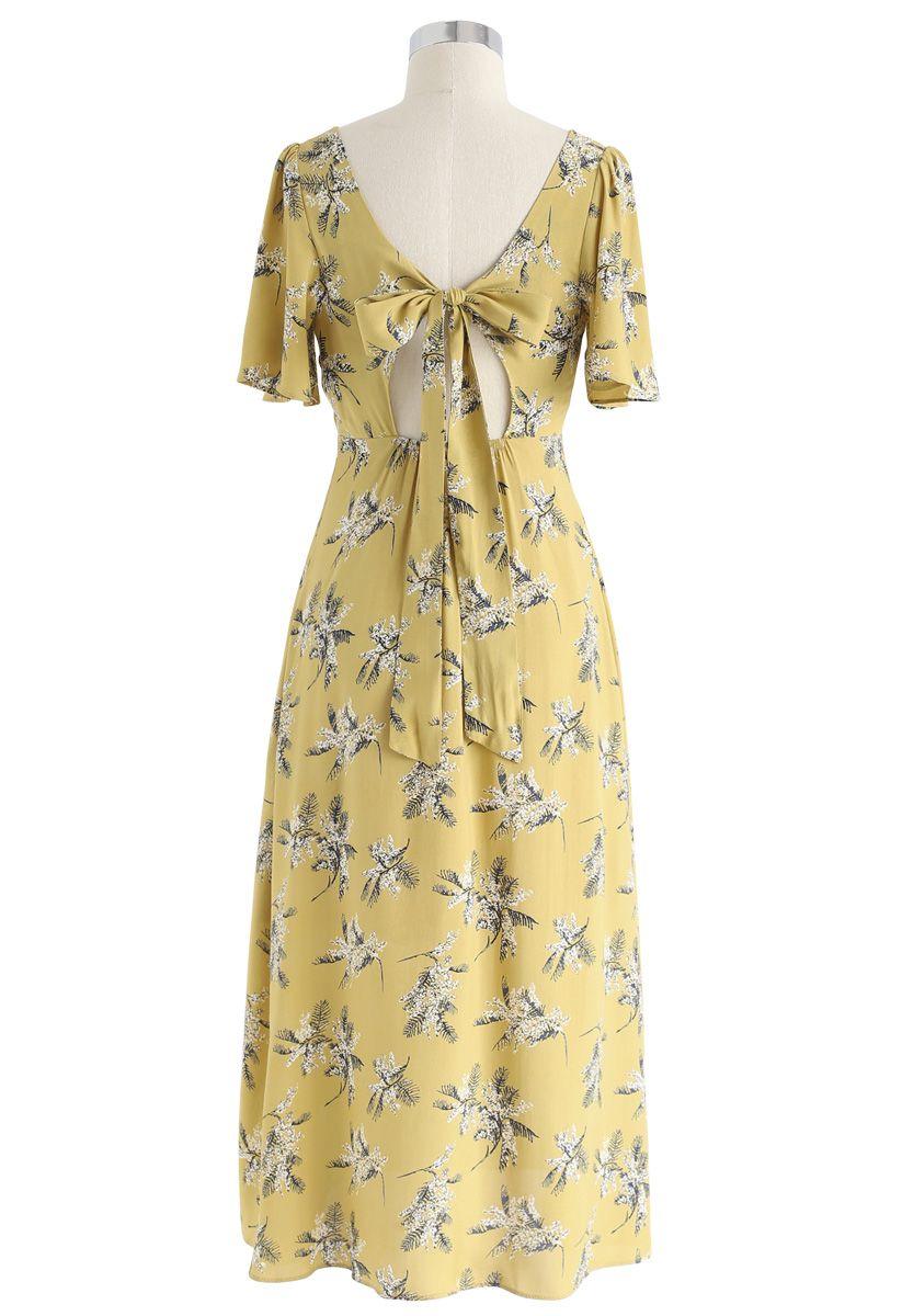Robe mi-longue à dos ouvert et à motif de nuage d'été en moutarde