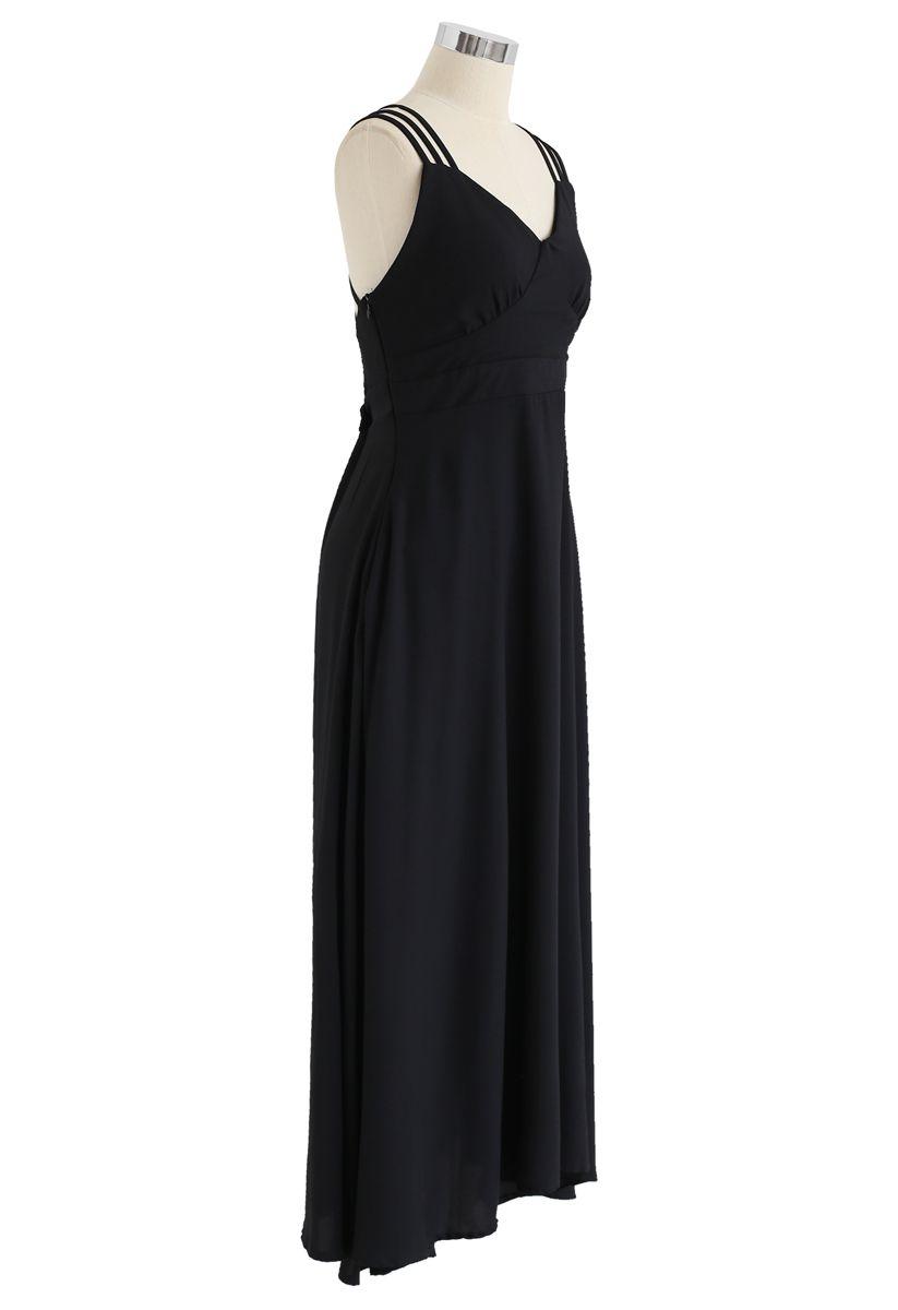Robe camisole parfaite avec dos croisé en noir