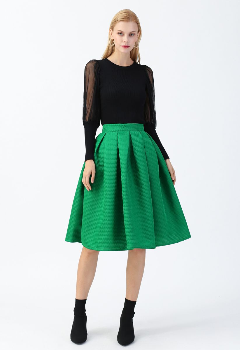 Wavy Texture Pleated Midi Skirt in Green