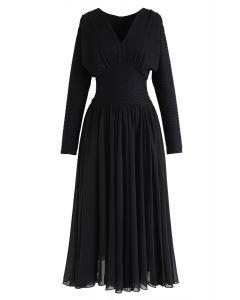 Robe à manches plissées et col en V en noir